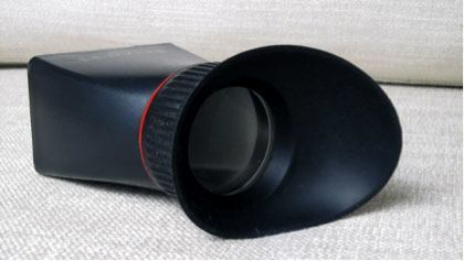 Clip-on viewfinder